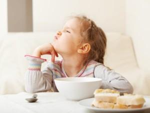 Снижение аппетите - признак стресса у ребенка