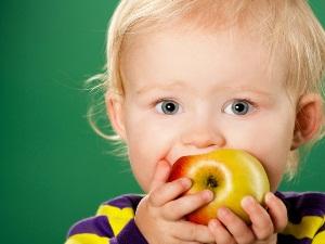 Немытые фрукты как причина аскаридоза