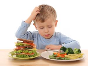 Твердая пища в рационе как причина запора