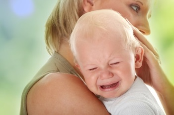 Проблема болей в кишечнике у новорожденных