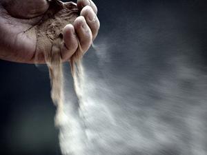 Пыль - причина аллергических соплей