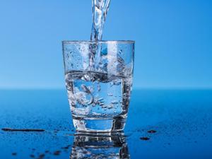 Промывание носа кипяченной водой