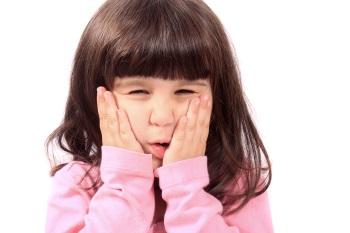 Проблема свища на десне у ребенка