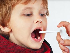 Лечение детей до 4 лет спрэями Гексорал