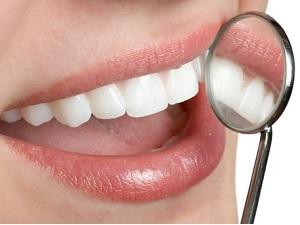 Нарушение эмали при продолжительном скрежете зубами