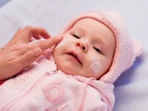 Крем для лечения кожных проблем у ребенка