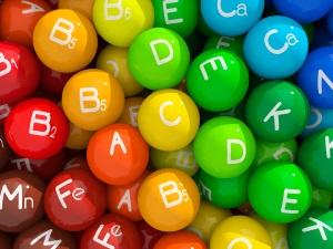 Бесконтрольный прием витаминов - причина изменения цвета мочи