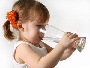 Запивание препарата чистой водой