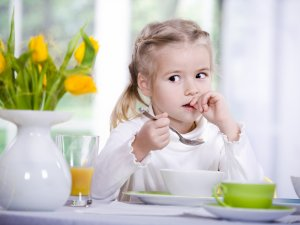 Прием витаминов после завтрака